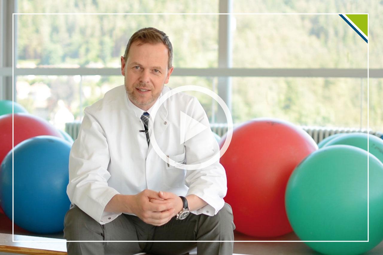 Priv.-Doz. Dr. med Thomas Widmann erklärt das Prinzip und die Wirkungsweise zum Konzept Bewegung nach Krebs im Video